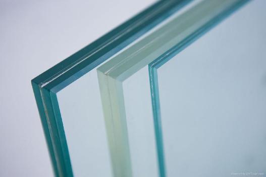 Склеиваем стекло с другими материалами